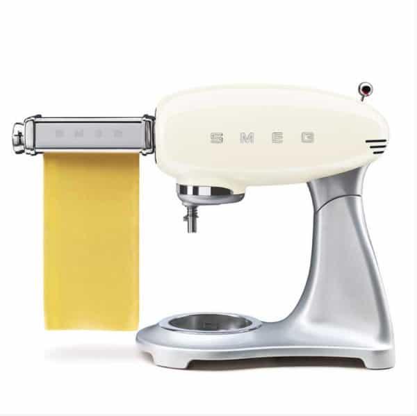 Smeg-mixer-makarna-yapıcı-krem